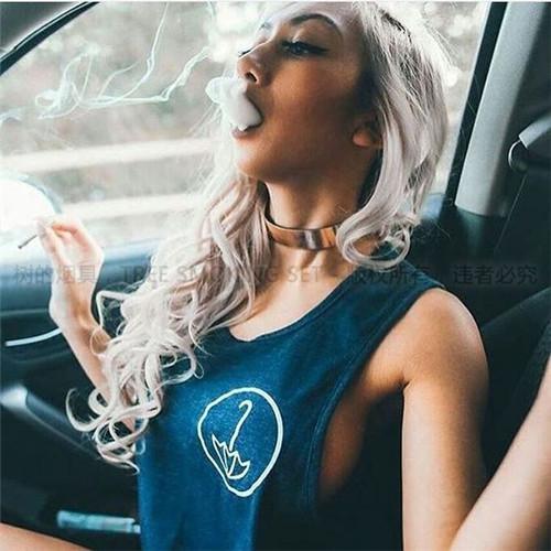 阿拉伯水烟美女